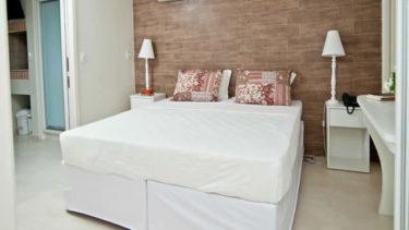 A cama de casal no apartamento luxo pode ser separada ao meio, permitindo que amigos se hospedem em um apartamento com os confortos do lar sem precisarem dormir na mesma cama! Opções que você só encontra na Pousada dos Sonhos!